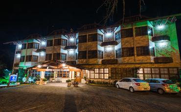 Hotel Águas Claras Gramado - Próximo aos restaurantes !